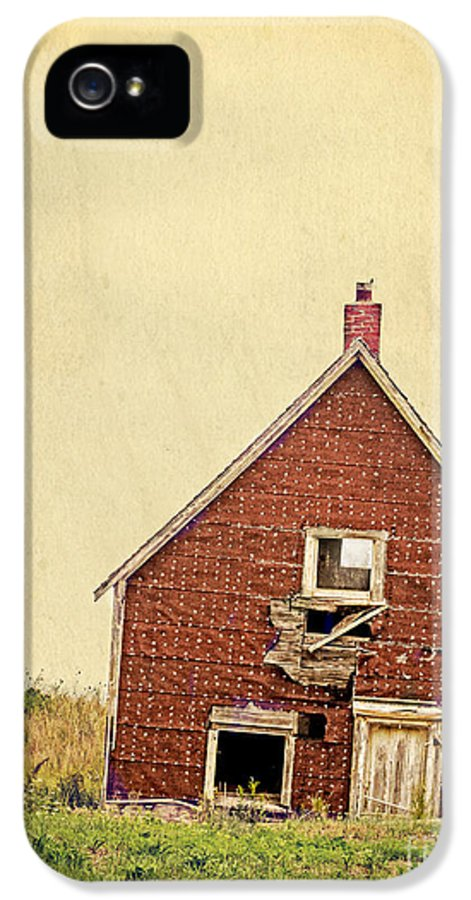 Abandoned IPhone 5 / 5s Case featuring the photograph Forsaken Dreams by Edward Fielding
