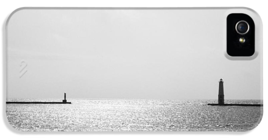 Lighthouse IPhone 5 / 5s Case featuring the photograph Frankfort Michigan Harbor by Michelle Calkins