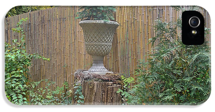 Bamboo Fence IPhone 5 / 5s Case featuring the photograph Garden Decor 2 by Muriel Levison Goodwin