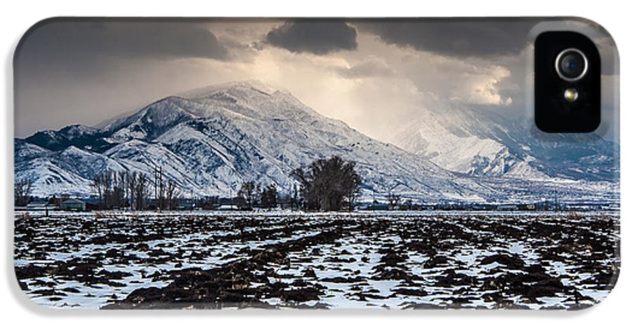 Winter Storm IPhone 5 / 5s Case featuring the photograph Gathering Winter Storm - Utah Valley by Gary Whitton