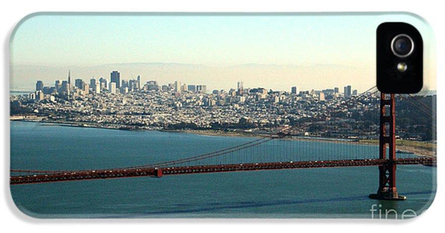 Golden Gate Bridge IPhone 5 / 5s Case featuring the photograph Golden Gate Bridge by Linda Woods