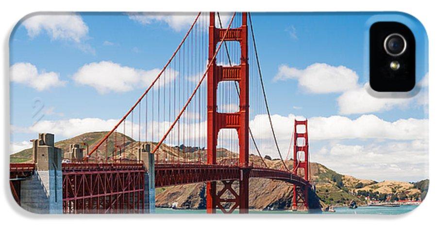 Golden Gate Bridge IPhone 5 / 5s Case featuring the photograph Golden Gate Bridge by Sarit Sotangkur