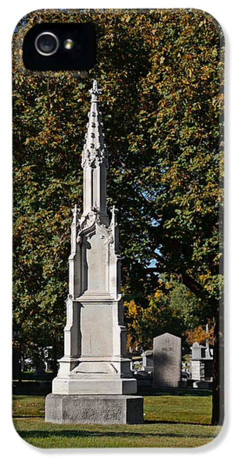 Graveyard IPhone 5 / 5s Case featuring the photograph Graceland Cemetery - Garden Of The Dead by Christine Till
