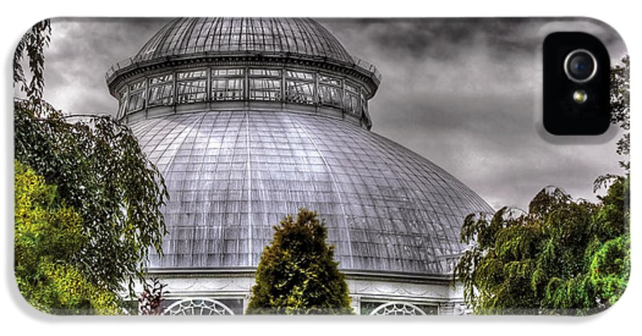 Savad IPhone 5 / 5s Case featuring the photograph Greenhouse - The Observatory by Mike Savad