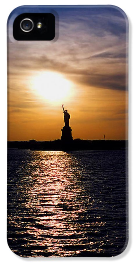 Sunset IPhone 5 / 5s Case featuring the photograph Guiding Light by Joann Vitali