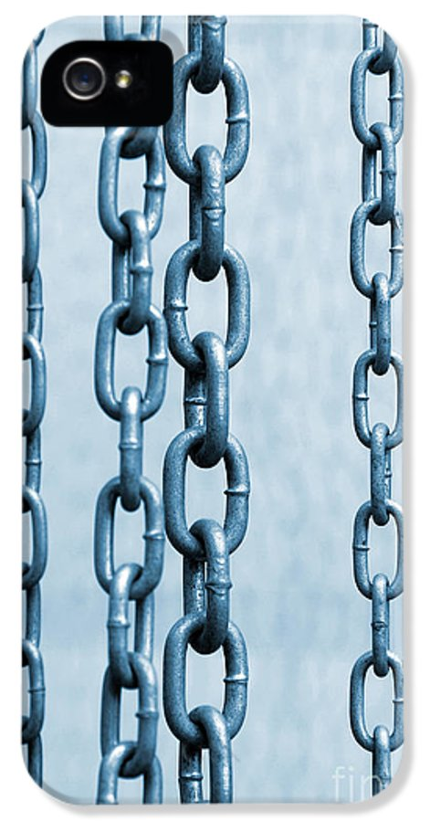 Abstract IPhone 5 / 5s Case featuring the photograph Hanged Chains by Carlos Caetano