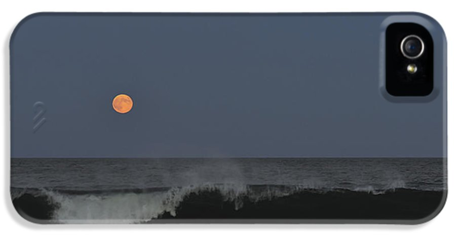 Harvest Moon IPhone 5 / 5s Case featuring the photograph Harvest Moon Seaside Park Nj by Terry DeLuco