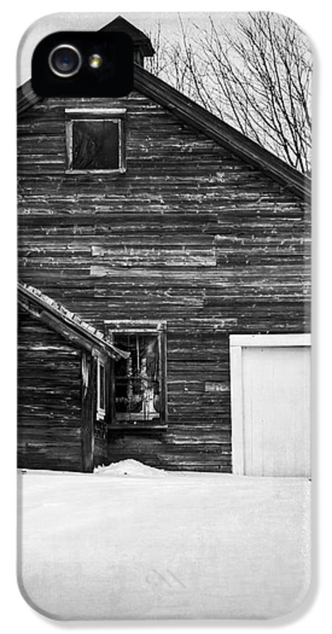 Snow IPhone 5 / 5s Case featuring the photograph Haunted Old House by Edward Fielding