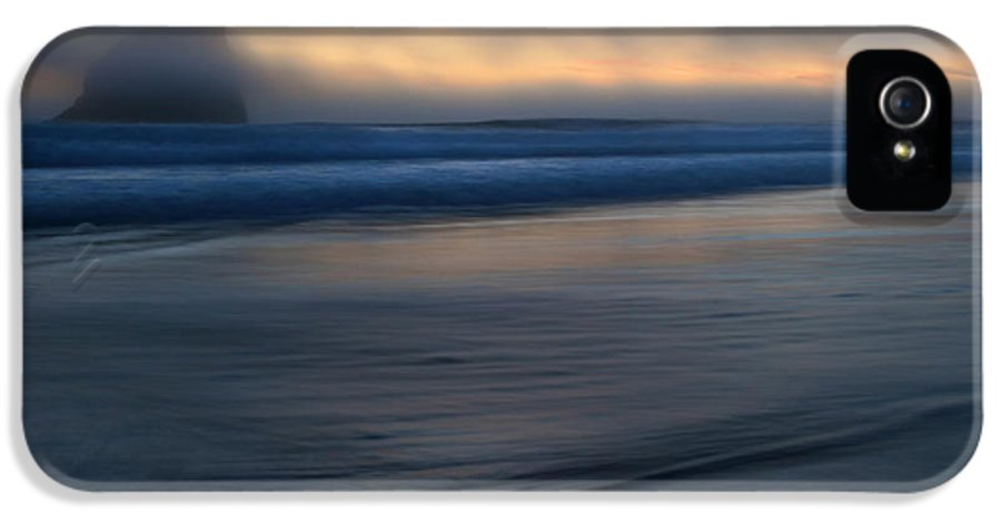Pacific City IPhone 5 / 5s Case featuring the photograph Haystack Hidden by Mike Dawson