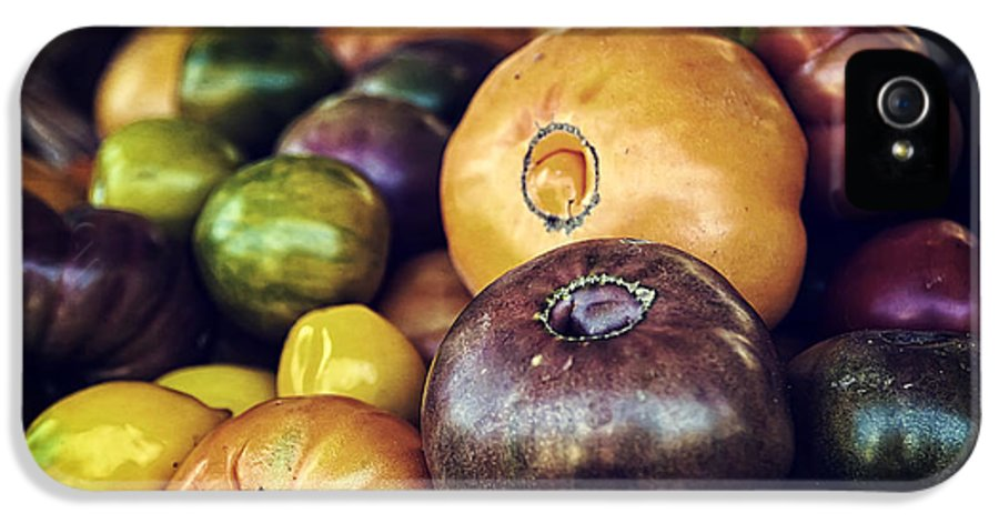 Fruit IPhone 5 / 5s Case featuring the photograph Heirloom Tomatoes At The Farmers Market by Scott Norris