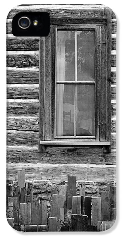 Home On The Range IPhone 5 / 5s Case by Edward Fielding