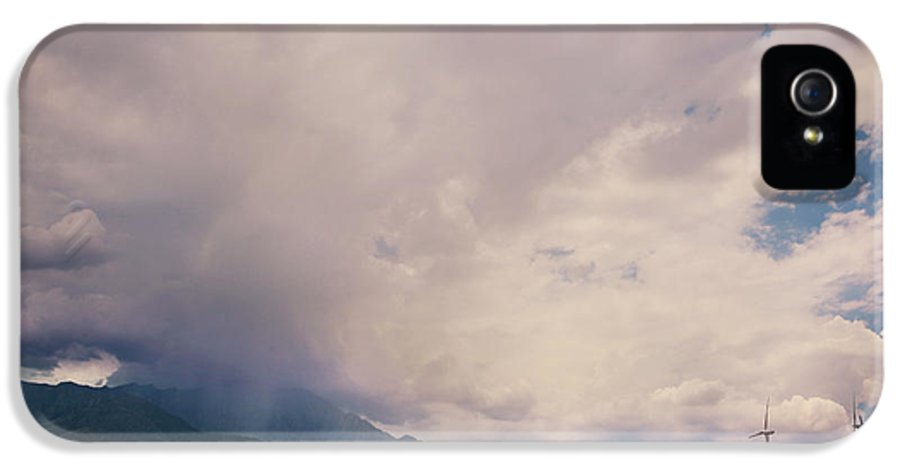 Palm Springs IPhone 5 / 5s Case featuring the photograph I Predict Rain by Laurie Search