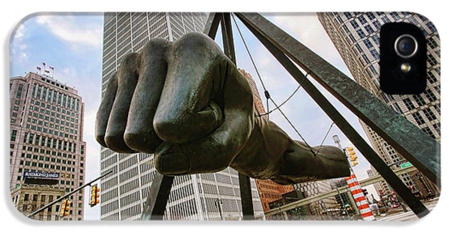 Joe IPhone 5 / 5s Case featuring the photograph In Your Face - Joe Louis Fist Statue - Detroit Michigan by Gordon Dean II