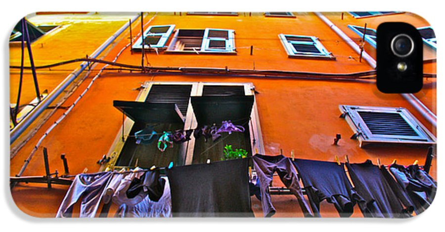 Nature IPhone 5 / 5s Case featuring the photograph Italian Laundry by Mark Prescott Crannell