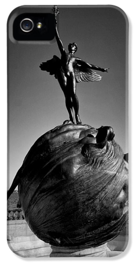 Joshua House Photography IPhone 5 / 5s Case featuring the photograph Jacksonville War Memorial by Joshua House