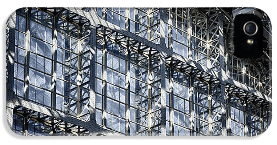 Architecture IPhone 5 / 5s Case featuring the photograph Kings Cross St Pancras Windows by Joan Carroll