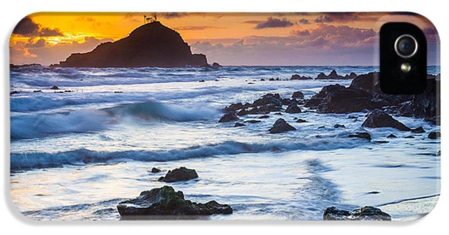 America IPhone 5 / 5s Case featuring the photograph Koki Beach Harmony by Inge Johnsson