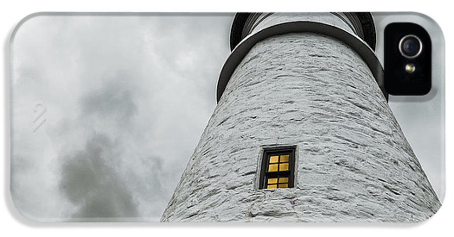 Lighthouse IPhone 5 / 5s Case featuring the photograph Lighthouse by Diane Diederich