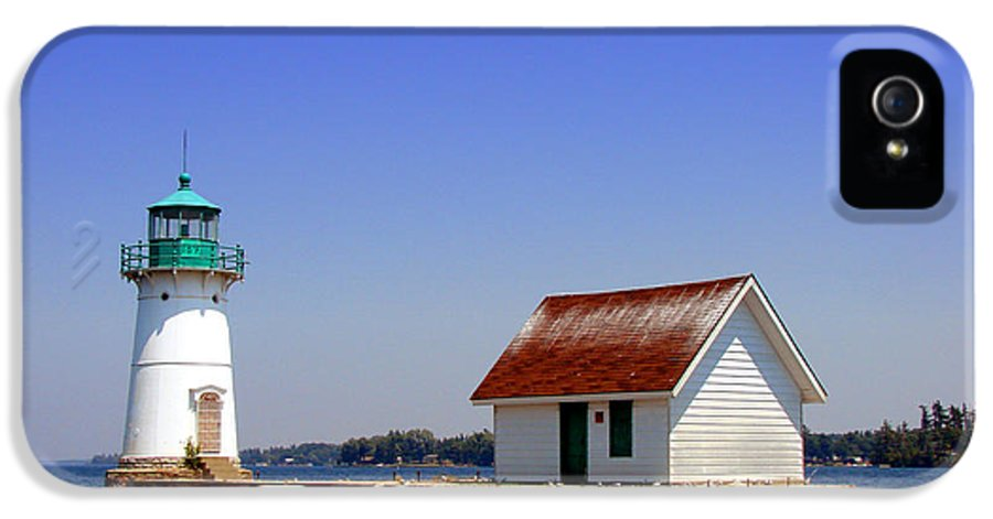 Lighthouse IPhone 5 / 5s Case featuring the photograph Lighthouse On The St Lawrence River by Olivier Le Queinec