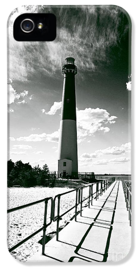 Lighthouse Walk IPhone 5 / 5s Case featuring the photograph Lighthouse Walk by John Rizzuto