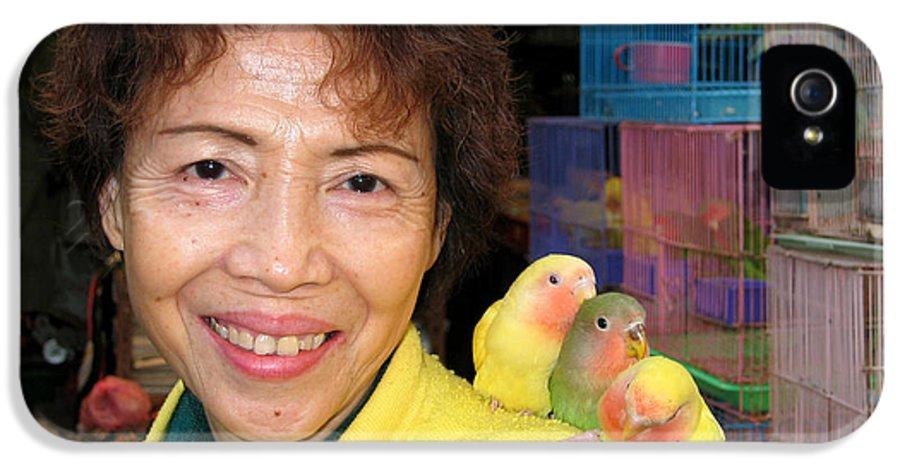 Hong Kong IPhone 5 / 5s Case featuring the digital art Love Birds by Eva Kaufman