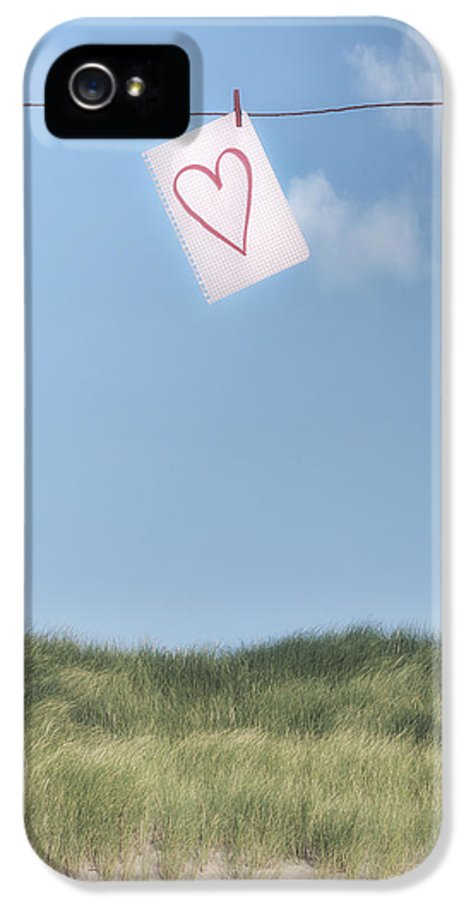 Sheet IPhone 5 / 5s Case featuring the photograph Love Letter From Cloud 9 by Joana Kruse