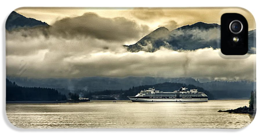 Glacier IPhone 5 / 5s Case featuring the photograph Low Clouds - Half Speed by Jon Berghoff