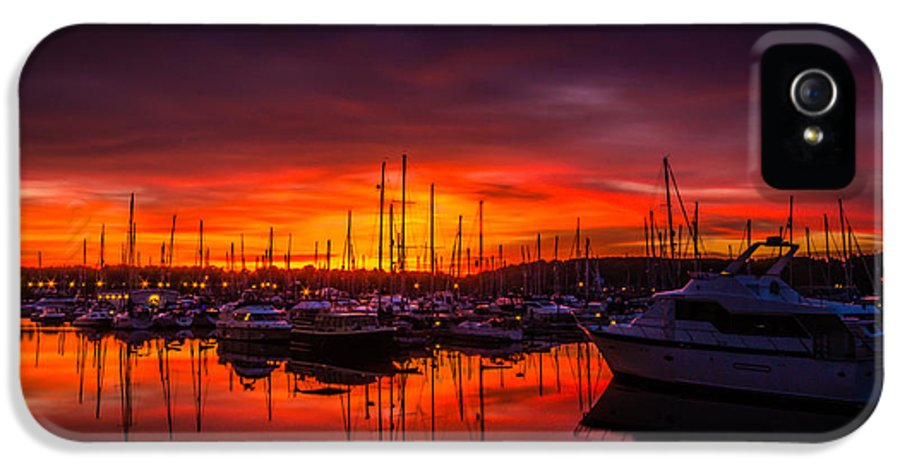 Chatham IPhone 5 / 5s Case featuring the photograph Marina Sunset by Dawn OConnor