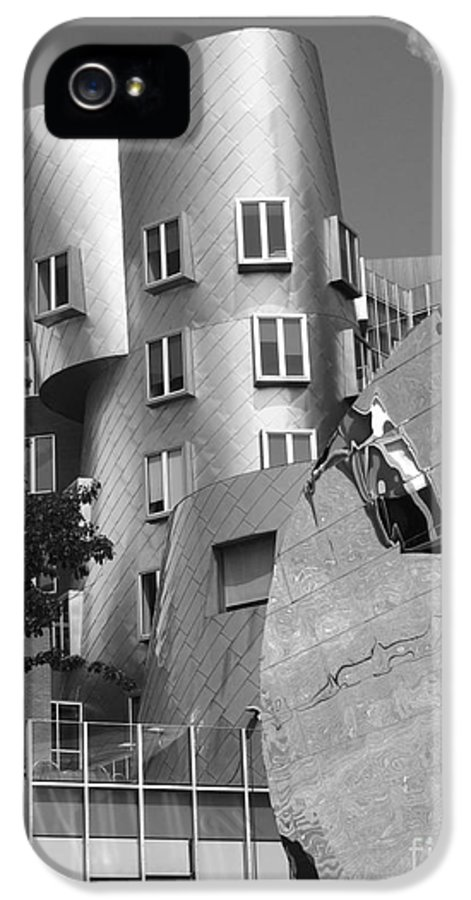 Beaver IPhone 5 / 5s Case featuring the photograph Massachusetts Institute Of Technology Stata Center by University Icons