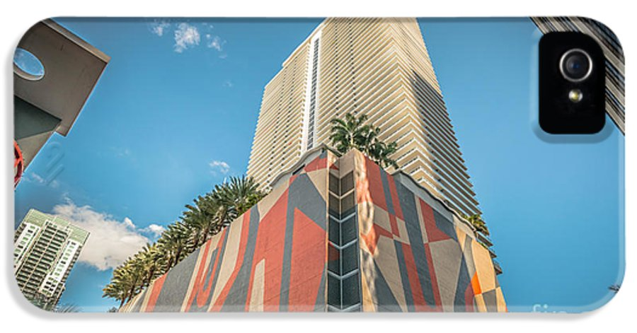 America IPhone 5 / 5s Case featuring the photograph Miami Downtown Buildings - Miami - Florida by Ian Monk