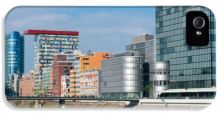 Architectural IPhone 5 / 5s Case featuring the photograph Modern Architecture by Hans Engbers