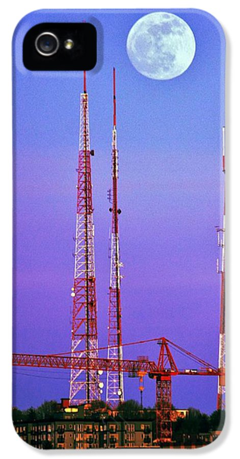 Seattle IPhone 5 / 5s Case featuring the photograph Moontowers by Benjamin Yeager