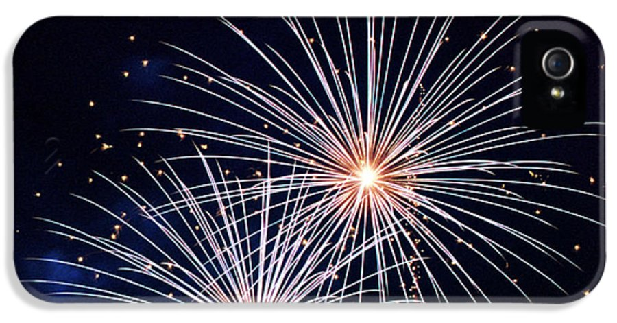 Night IPhone 5 / 5s Case featuring the photograph 4th Of July Fireworks 3 by Howard Tenke