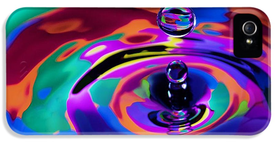 Digital Art IPhone 5 / 5s Case featuring the pastel Multicolor Water Droplets 1 by Imani Morales