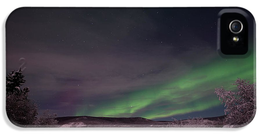 Snowy IPhone 5 / 5s Case featuring the photograph Night Skies by Priska Wettstein