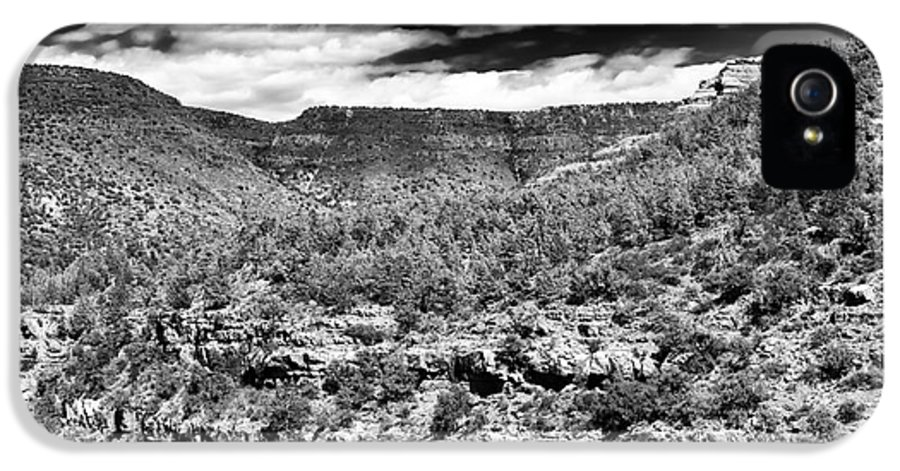 Oak Creek Clouds IPhone 5 / 5s Case featuring the photograph Oak Creek Clouds by John Rizzuto