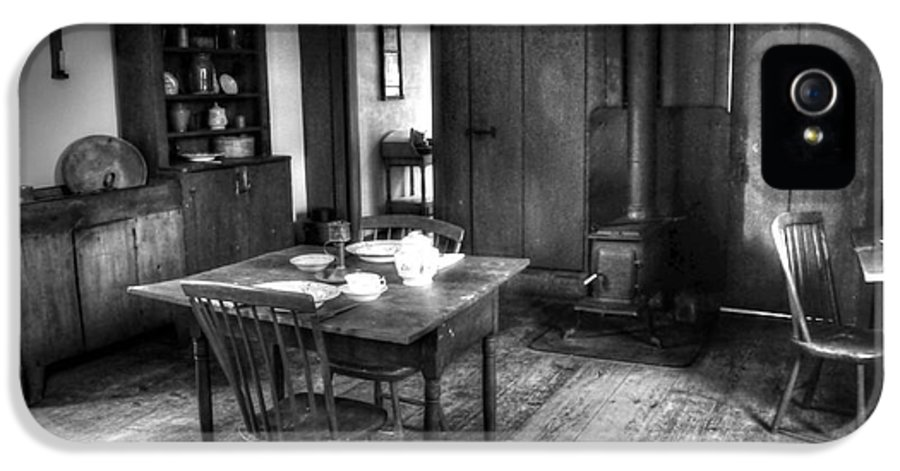 Old IPhone 5 / 5s Case featuring the photograph Old Kitchen by Kathleen Struckle