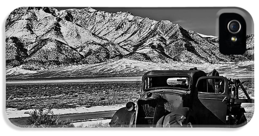 Black And White IPhone 5 / 5s Case featuring the photograph Old Truck by Robert Bales