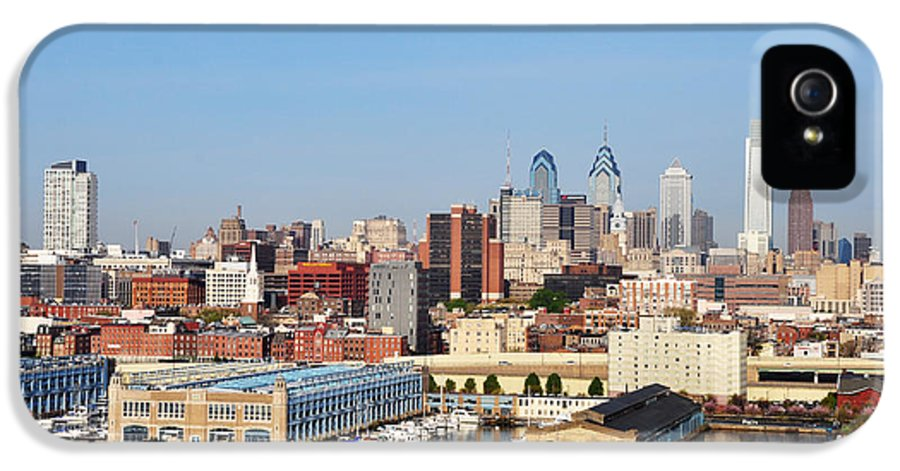 Philadelphia IPhone 5 / 5s Case featuring the photograph Philadelphia River View by Bill Cannon