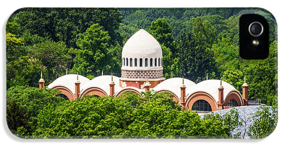 America IPhone 5 / 5s Case featuring the photograph Photo Of Elephant House At Cincinnati Zoo by Paul Velgos