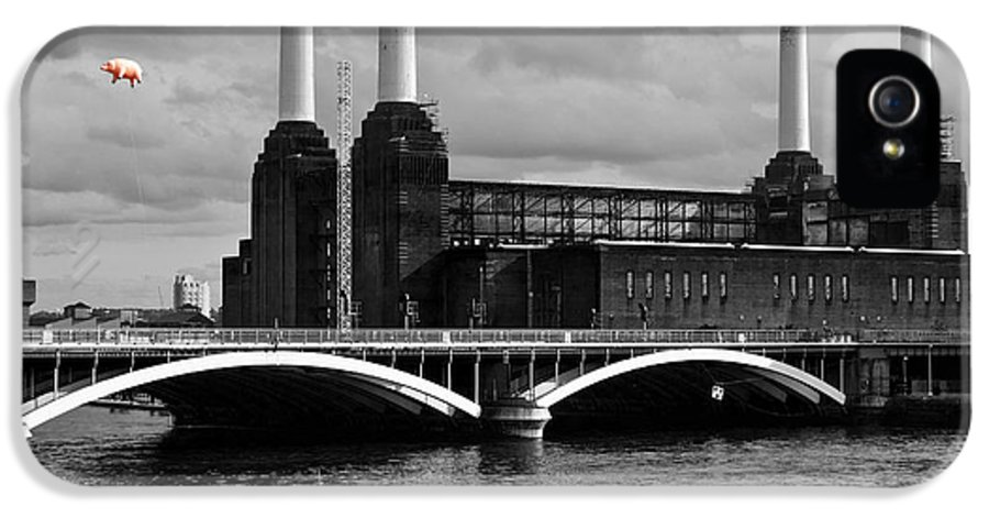 Pink Floyd IPhone 5 / 5s Case featuring the photograph Pink Floyd's Pig At Battersea by Dawn OConnor