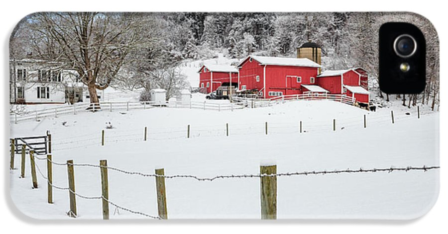Farm IPhone 5 / 5s Case featuring the photograph Platt Farm by Bill Wakeley