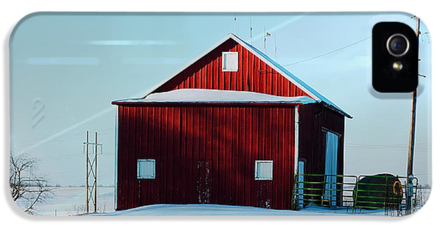 Winter Time Barn In Snow.snow IPhone 5 / 5s Case featuring the photograph Red Barn During Illinois Winter by Luther  Fine Art