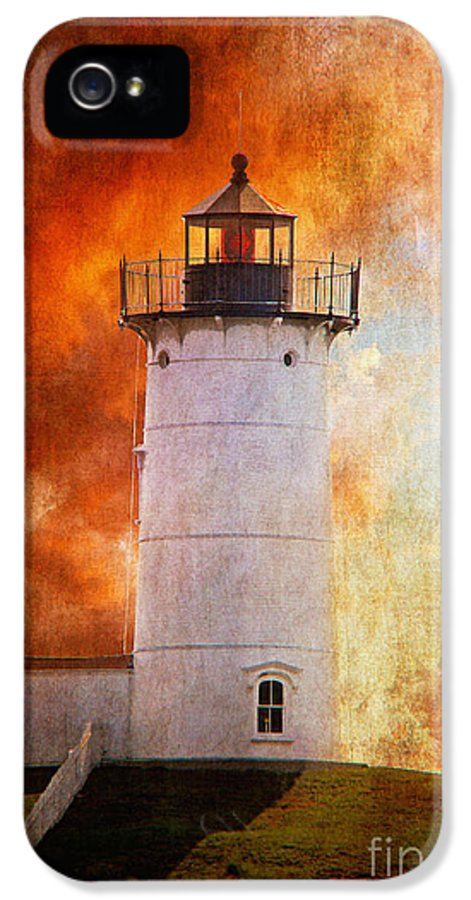 Lighthouse IPhone 5 / 5s Case featuring the photograph Red Sky At Morning - Nubble Lighthouse by Lois Bryan