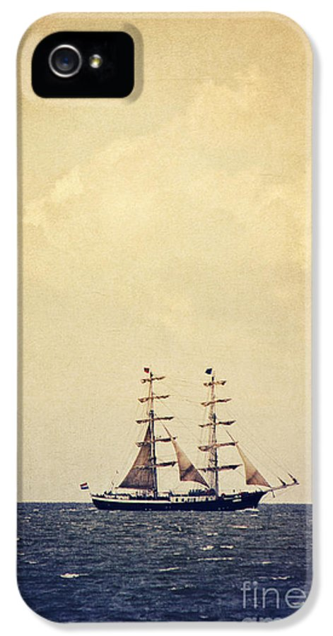 Sailing IPhone 5 / 5s Case featuring the photograph Sailing II by Angela Doelling AD DESIGN Photo and PhotoArt