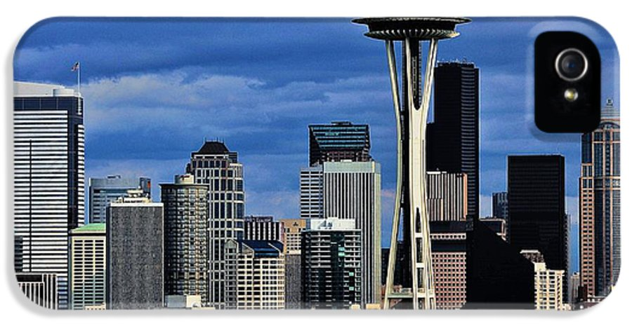 Seattle IPhone 5 / 5s Case featuring the photograph Seattle Skyline by Benjamin Yeager