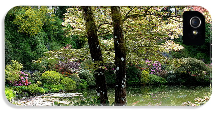 Peaceful Gardens IPhone 5 / 5s Case featuring the photograph Serene Garden Retreat by Carol Groenen