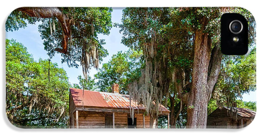 Evergreen Plantation IPhone 5 / 5s Case featuring the photograph Slave Quarters 2 by Steve Harrington