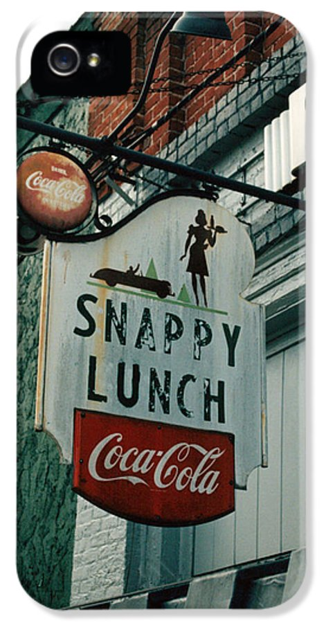 Sigh In Front Of Restaurant IPhone 5 / 5s Case featuring the photograph Snappy's by Steve Godleski