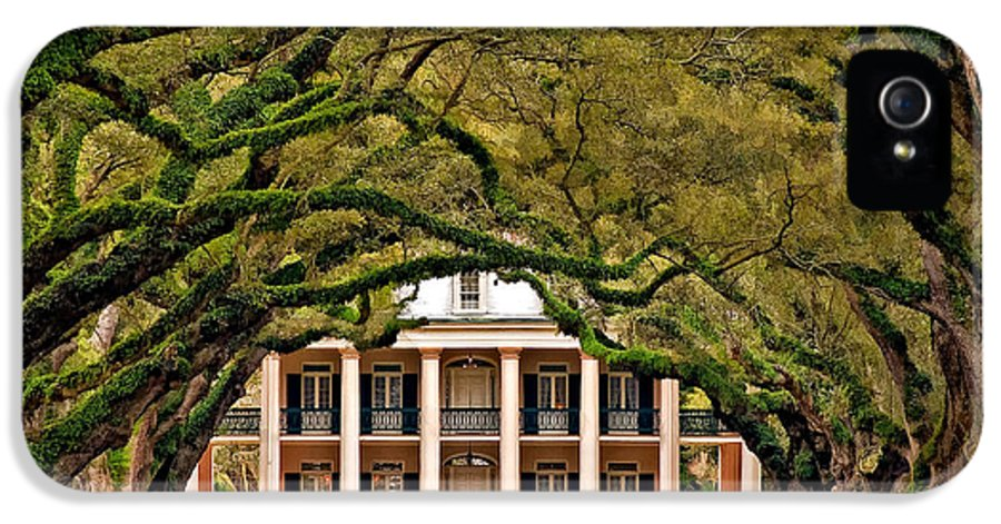 Oak Alley Plantation IPhone 5 / 5s Case featuring the photograph Southern Class Painted by Steve Harrington